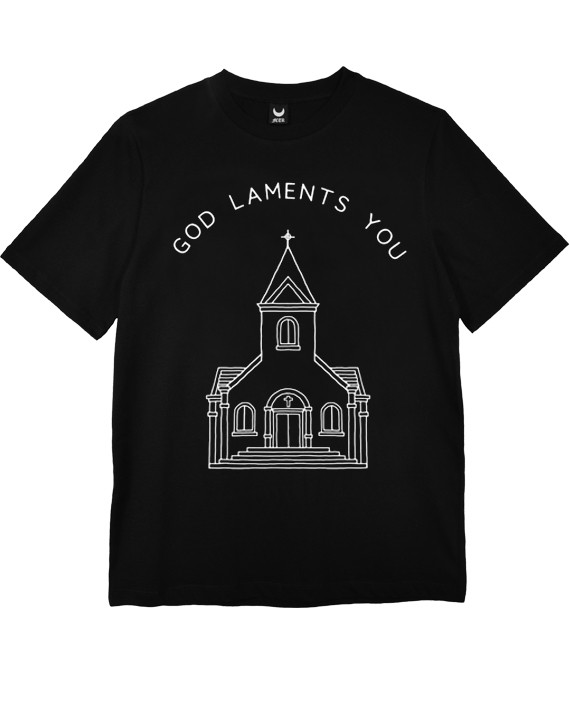 CAMISETA GOD LAMENTS YOU