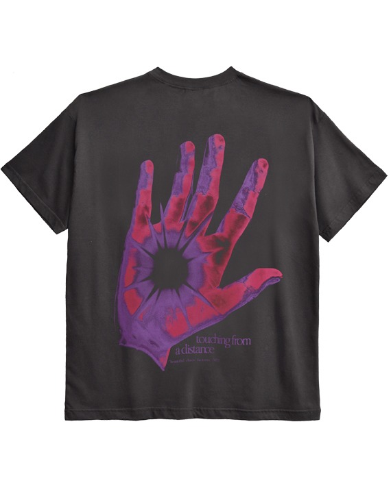 CAMISETA OVERSIZED __TOUCHING FROM A DISTANCE CHUMBO
